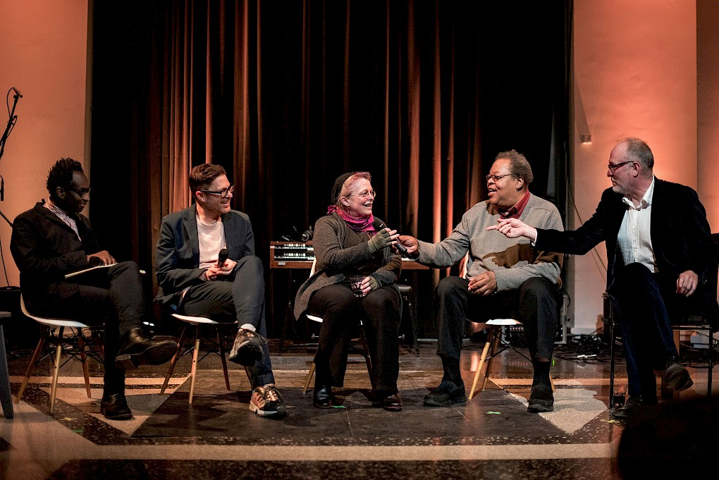 Panel discussion with Kodwo Eshun, Josh Kun, Mary Jane Leach, George E. Lewis and Sean Griffin  | Photo: Raisa Galofre